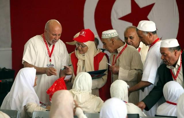 رئيس الجمهورية يواكب انطلاق الرحلة الاولى للحجيج التونسيين 4