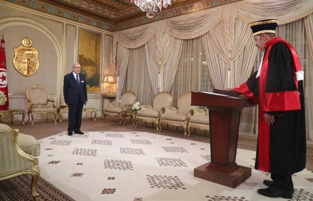 موكب أداء اليمين لطيب راشد العضو الجديد للمجلس الأعلى للقضاء